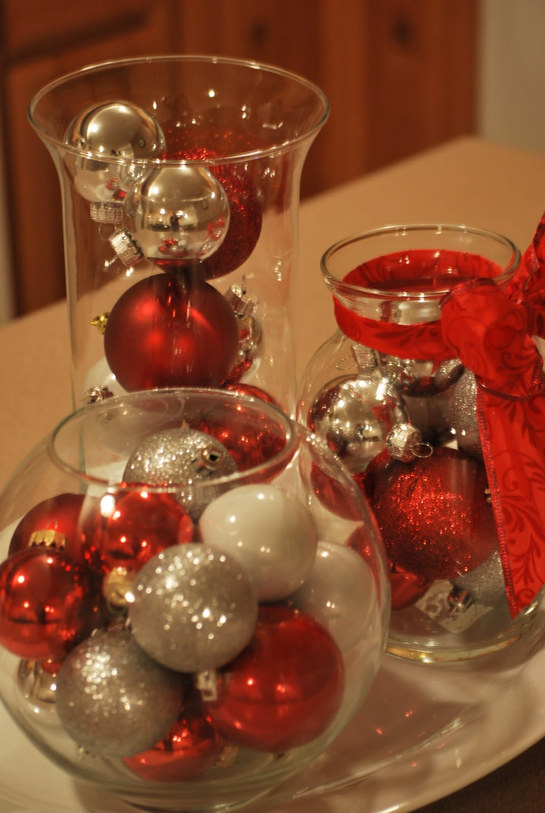 Cheap christmas centerpieces gravetics for Cheap christmas decoration ideas