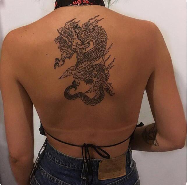 Tattoos für Frauen: 80 süße und erstaunliche Rücken Tattoos für Frauen
