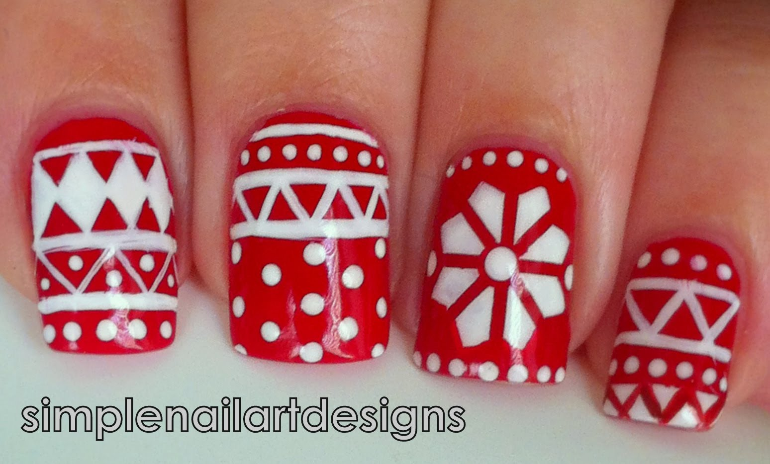 Nails Decorated for the Holidays of End of year