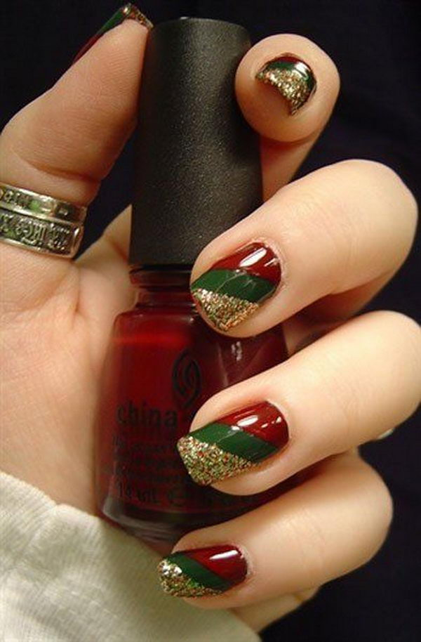 70 Beautiful Christmas Nail Art Ideas Gravetics