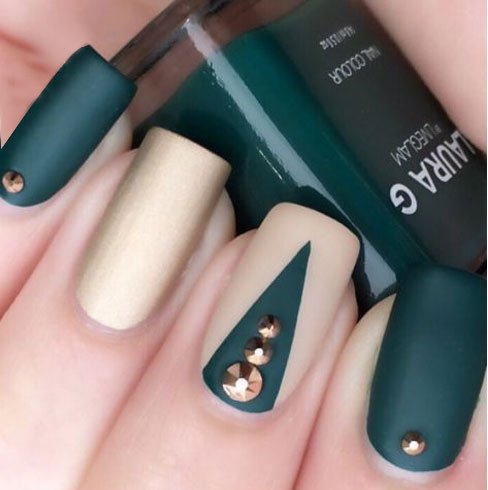 100 creative and unique nail art ideas and designs gravetics ultra modern nail art design prinsesfo Choice Image
