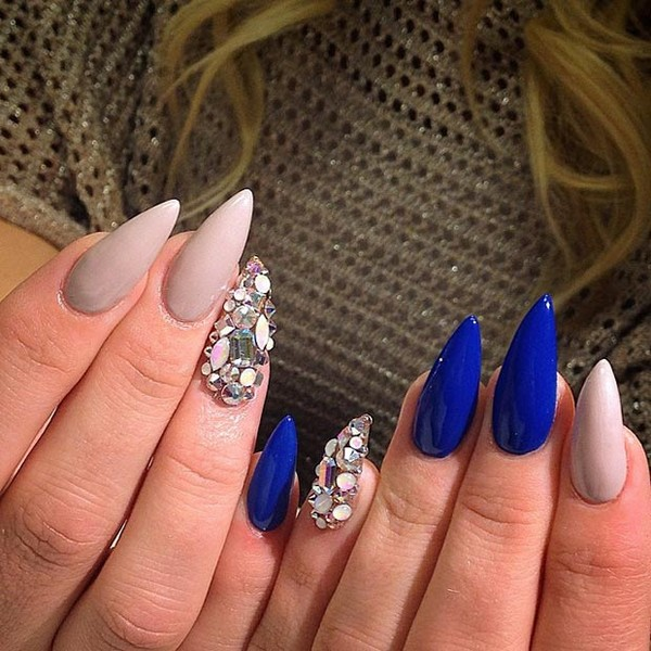 35 stunning pointy nail designs that you want to try gravetics of course you will be fascinated when acquainted with new styles and unique decorations of the gel manicure this season prinsesfo Gallery