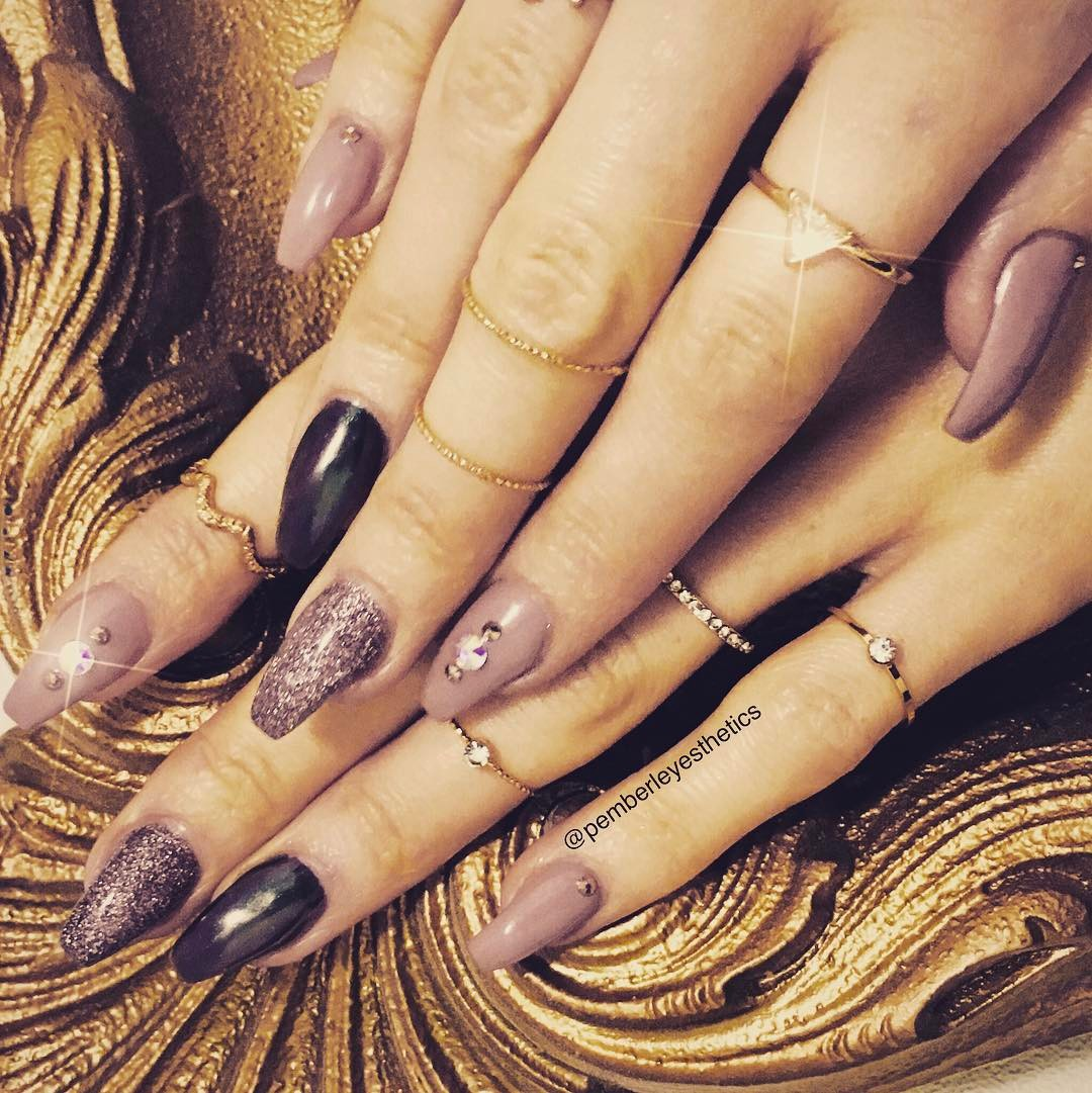 45 Jump on the Latest Trend with These Chrome Nail Art Ideas