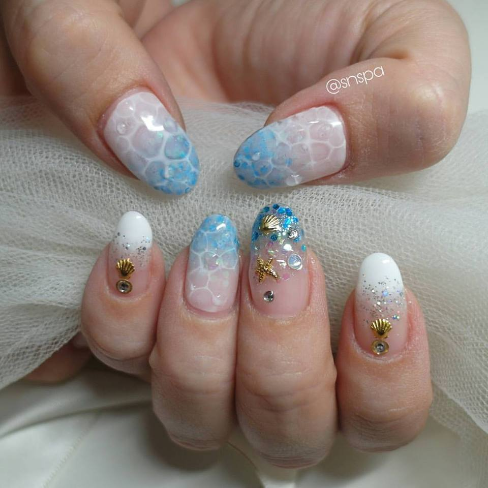 52 Uber-Cool Beach Manicure Ideas That Aces Up Your Beach Look