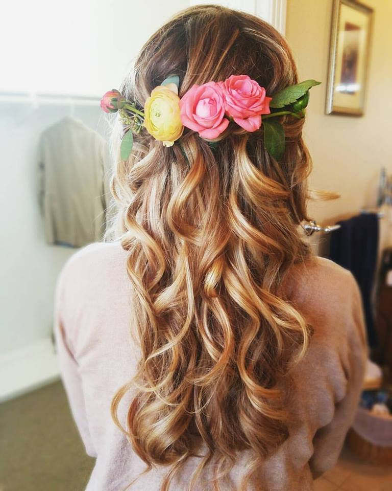 30 Beach Wedding Hairstyles Ideas Designs: 60 Engaging Wedding Hairstyle With Fresh Flowers That Will