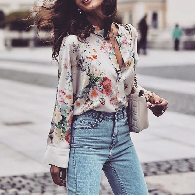 5c5b3d81996 30 Colorful Printed Floral Blouse Outfits for Summer Freshness