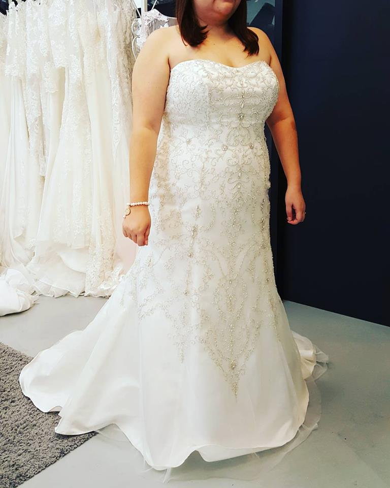 Trumpet Style Wedding Gowns: 40 Lovely Plus Size Wedding Dresses For Brides On Their