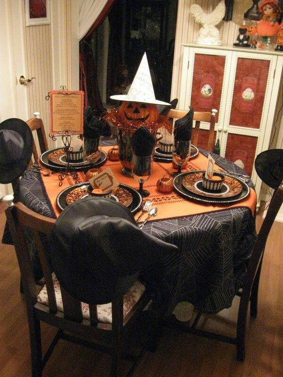 35 Halloween Table Decoration Ideas That Are Shockingly Fun Gravetics