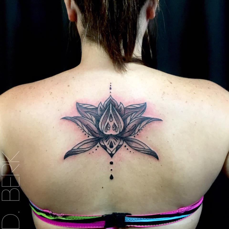 40 perfectly symmetrical tattoo designs that are so