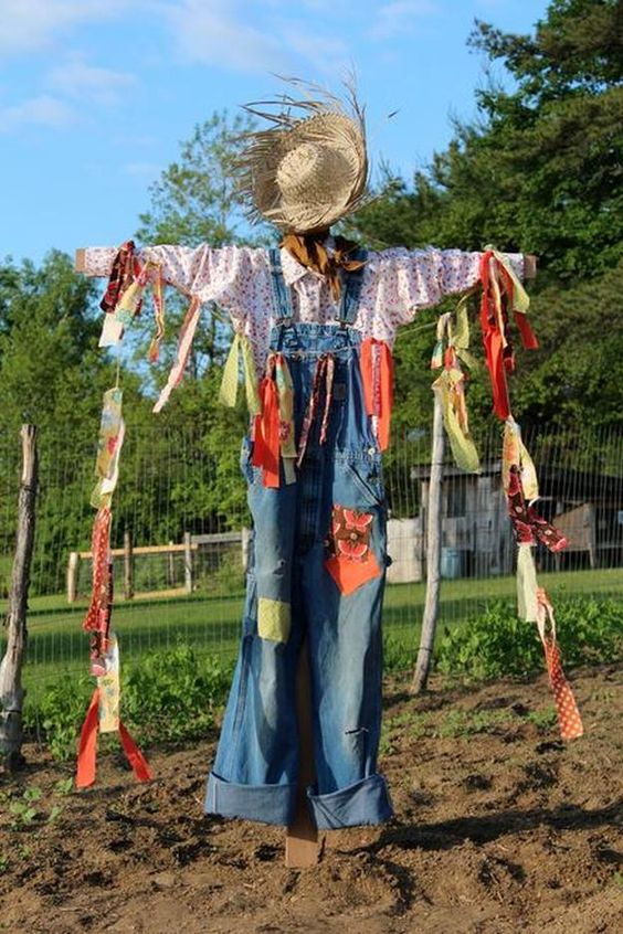 Halloween Classroom Decorations ~ Unique diy scarecrow ideas for kids to make this