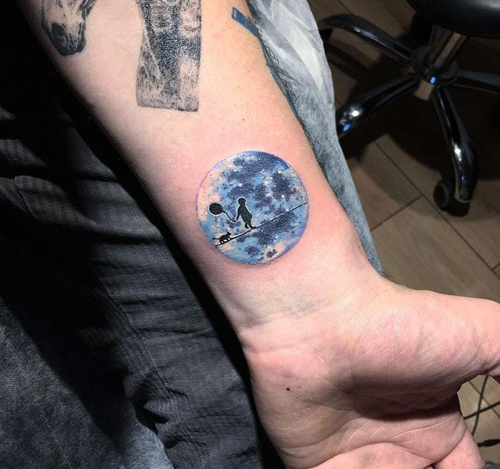 40 Stunning and Drool Worthy Miniature Circle Tattoos That