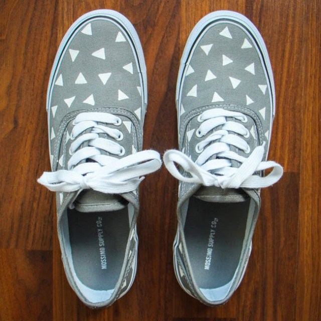 Add cute little triangles to canvas shoes with a paint pen