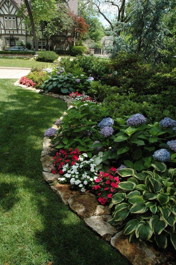 30 Inexpensive But Innovative Backyard Garden Landscaping
