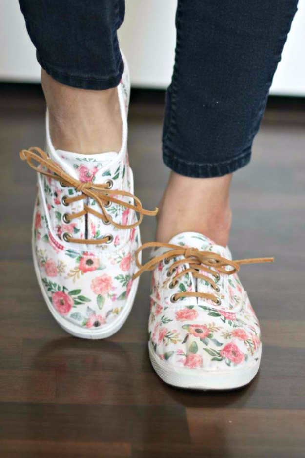d3ac984b32cf 35 Amazing DIY Shoe Decorating Ideas To Get A Unique Footwear Collection
