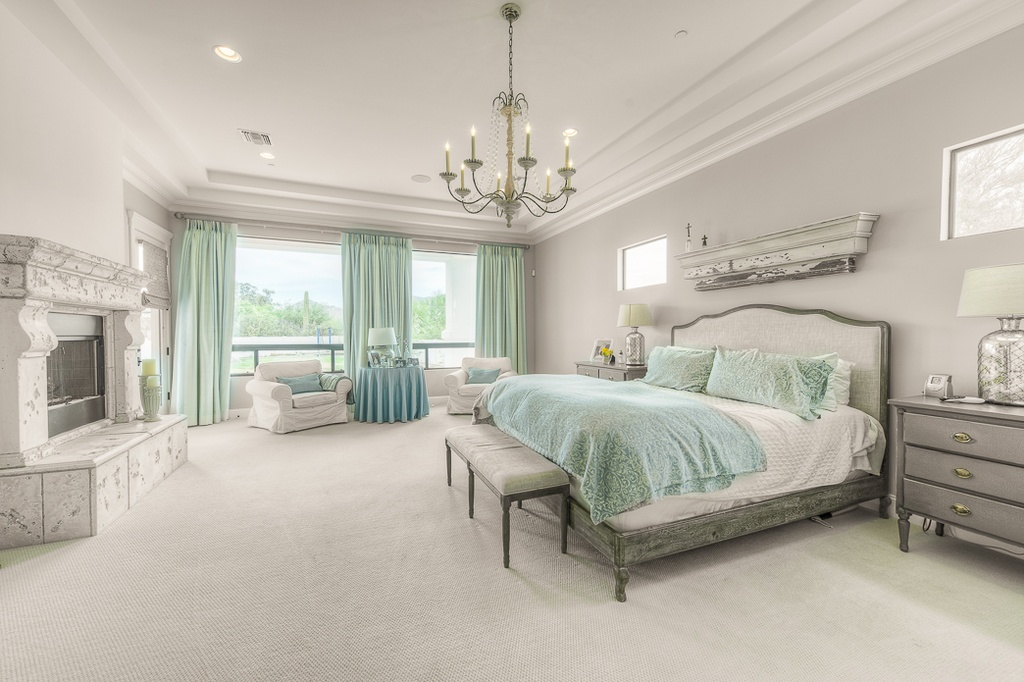 ... Traditional Master Bedroom ...
