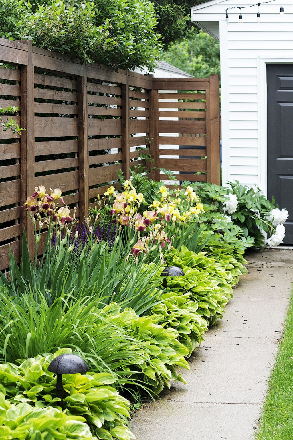 30 Inexpensive But Innovative Backyard Garden Landscaping