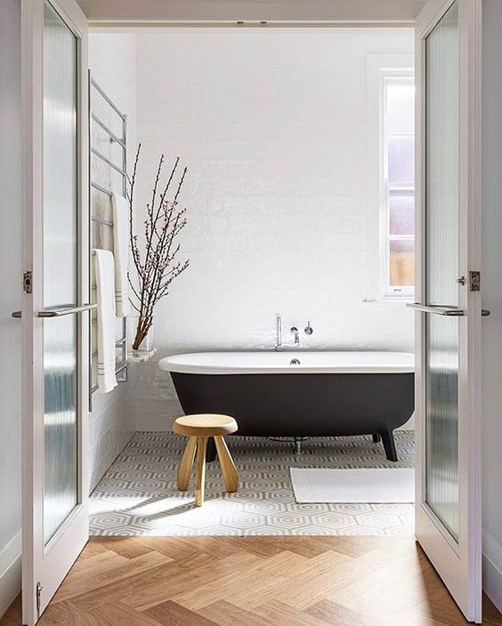 Small Bathtub Ideas Apartments