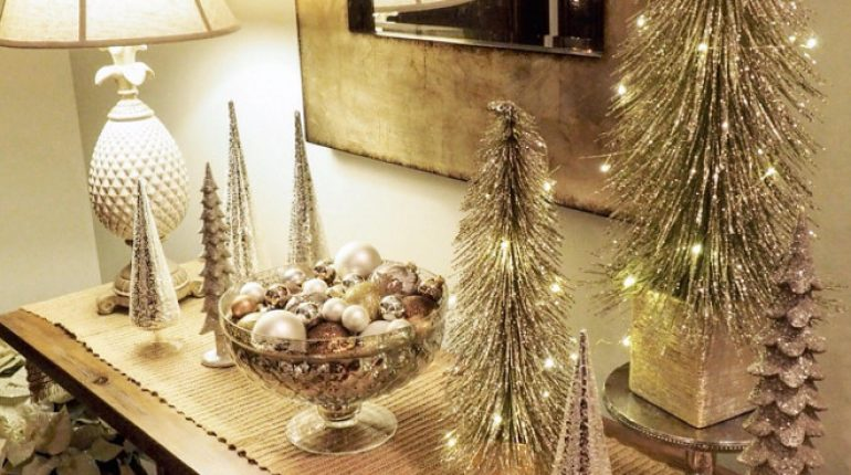 Christmas Foyer Decor