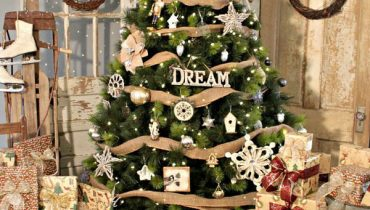 Country-Themed Christmas Tree