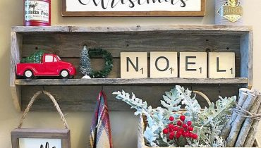 Farmhouse Mudroom Christmas Decor