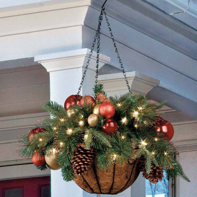 hanging christmas planter