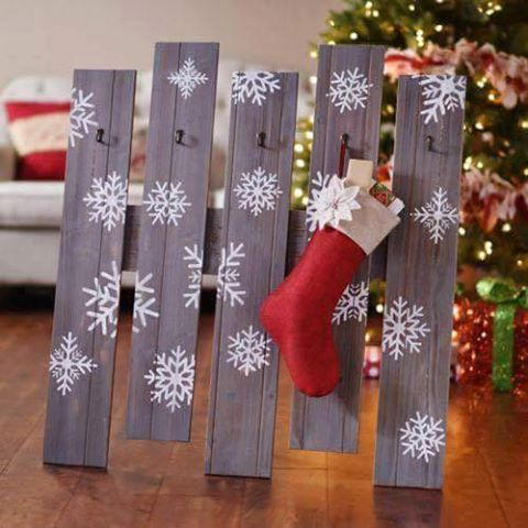 55 best diy christmas decorations ideas christmas trees with lights pallet stocking holder solutioingenieria Choice Image