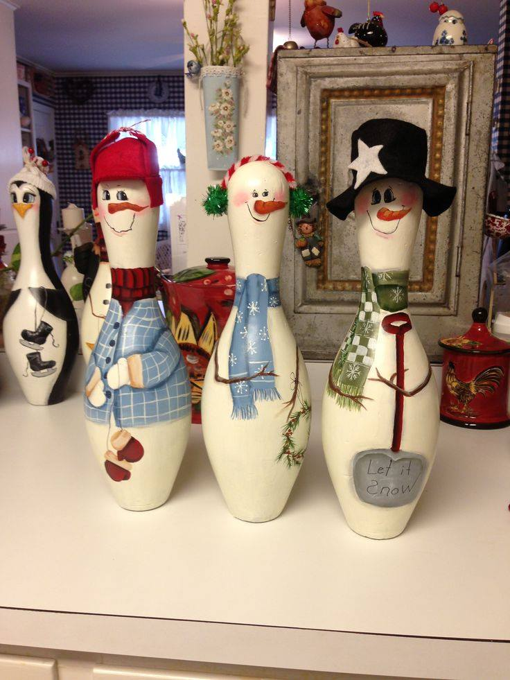 Turn old Bowling Pins into Snowmen