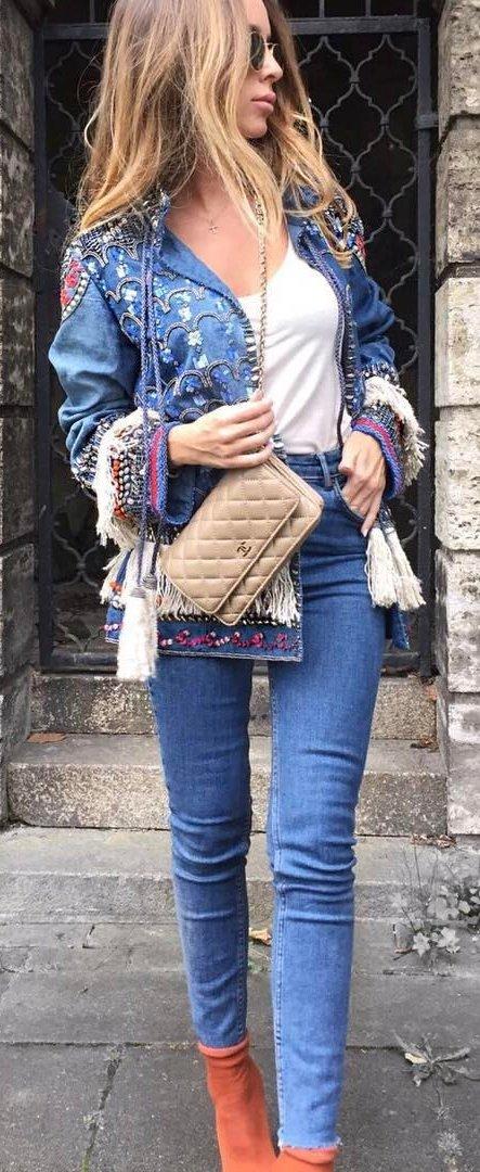 895451bc06  10 Blue Denim Jacket + White Top + Skinny Jeans Source