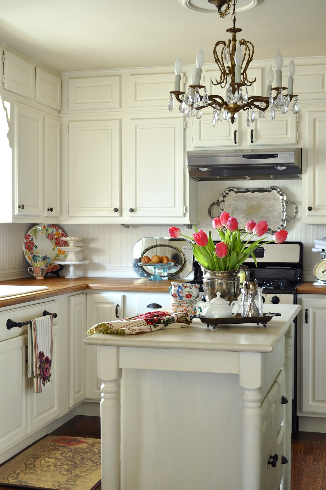 the old country kitchen 30 timeless cottage kitchen designs for a new look 6085