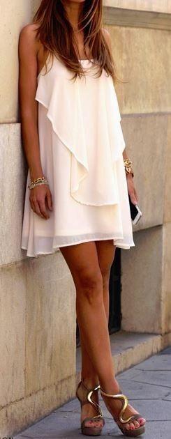 4b0442c043e6  29 Perfect summer dress and Golden High Heel! Pic Source