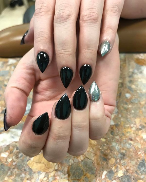 Beautiful Short Stiletto Nails Adver