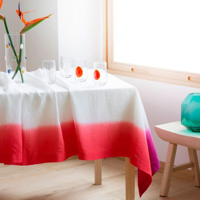 ... #TableCloth #Linens #Settings #Style it is better to dilute the bright elements ... & 35+ Best Table Cloth Ideas That Will Impress - Gravetics