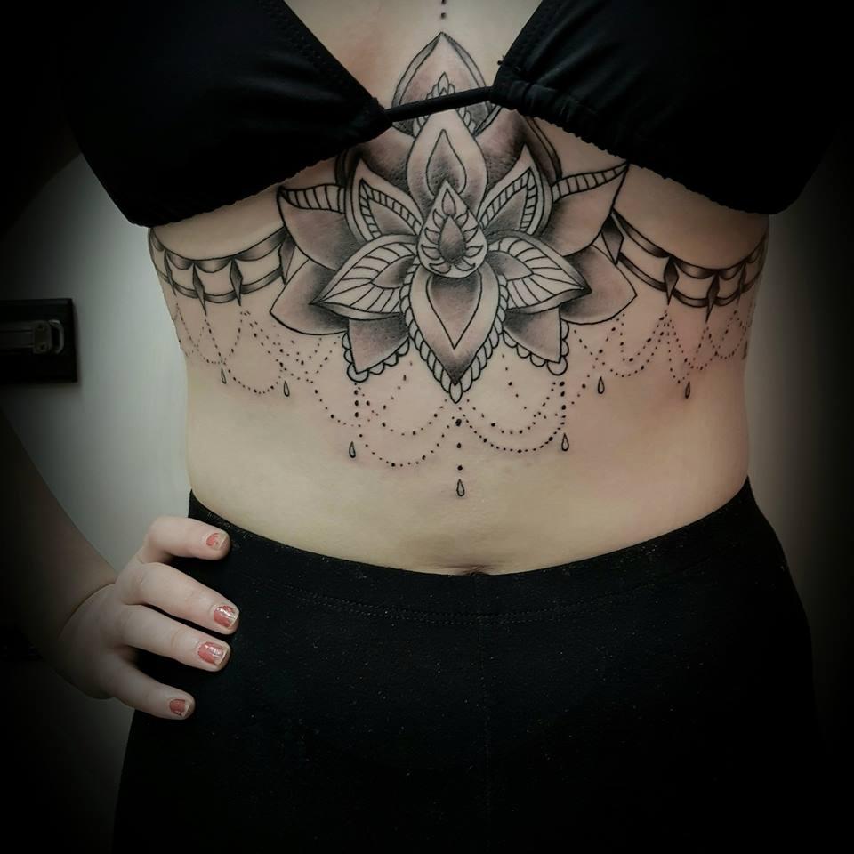 Best 30 Sternum Tattoos Designs For Women Gravetics