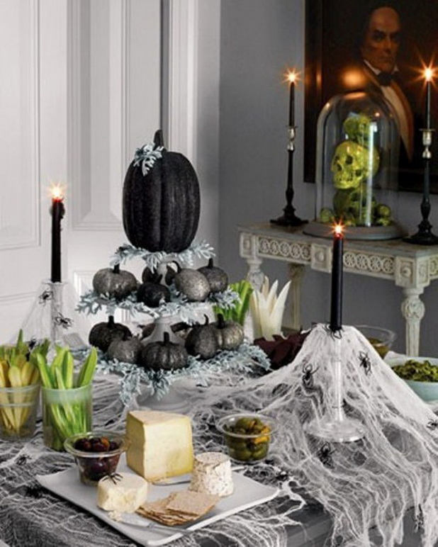 50 Eerie and Extravagant Halloween Table Decor Ideas , Gravetics