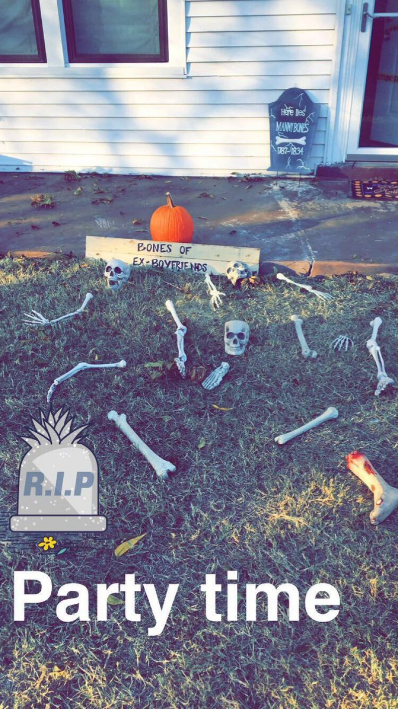 55 Halloween Front Yard Decor Ideas That Will Give A Haunted Feel To Your House Gravetics,One Bedroom Apartment In Brooklyn Ny