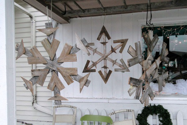 Christmas Pallet Projects to Enjoy that Rustic Christmas Decoration in Style
